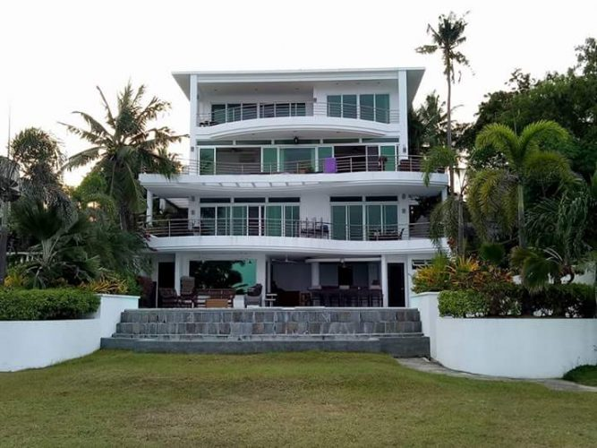 beach house for sale in compostela