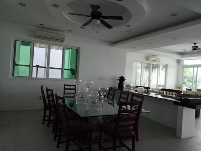 dining area of the second floor
