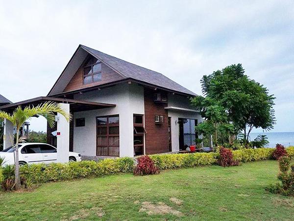 2 bedroom villas with 2 car port