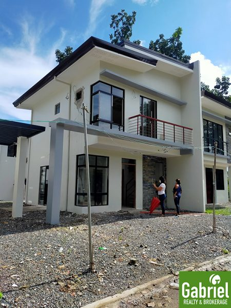single attached house for sale in lapu Lapu city