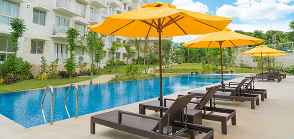 swimming pools in 32 sanson condominium