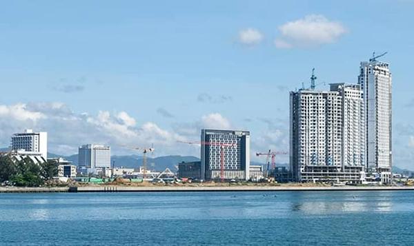 battle of t-cranes in mandani bay