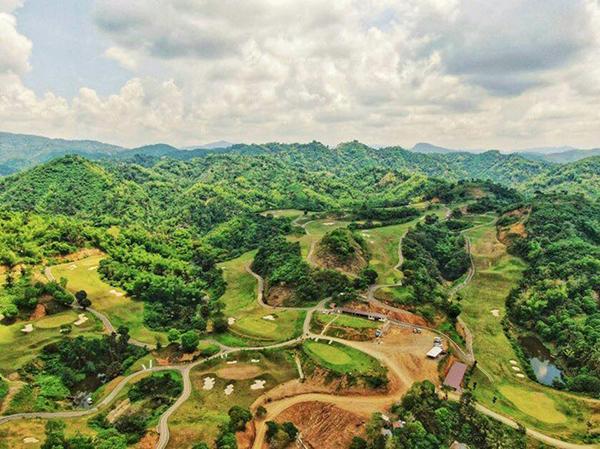 golf course in liloan