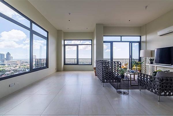 fully furnished penthoue in sundance residences banawa