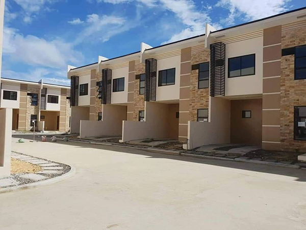 ready for occupancy townhouse for sale in cebu - fontana heights