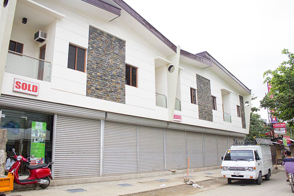 commercial townhouses for sale in rose pike talisay