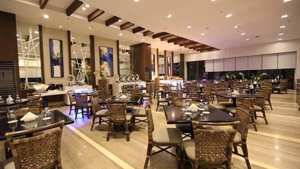 arterra hotel's dining area