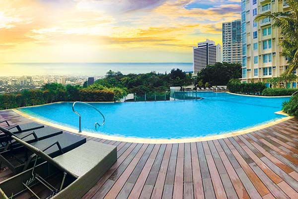 infinity pool in marco polo cebu