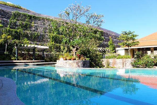 swimming pool in monterrazas de cebu