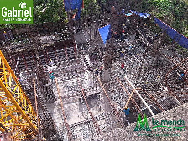 construction update of le mende residences in cebu city