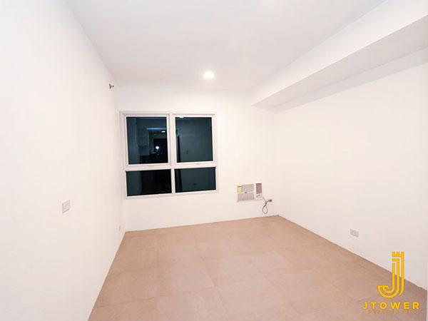 deliverable studio unit in J Tower Residences Mandaue