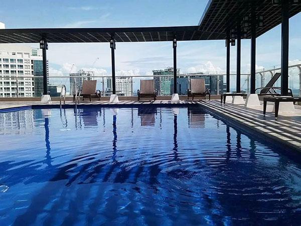 roof deck swimming pool, trillium residences