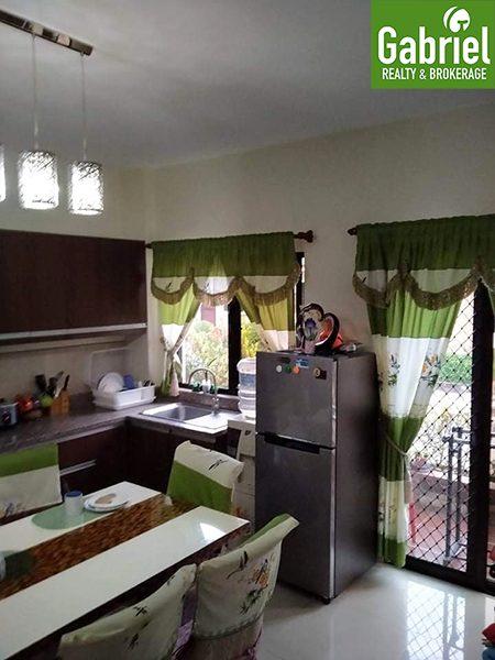 kitchen in durosland woodland park residences