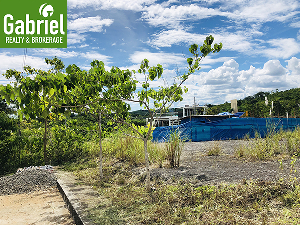 lot for sale in summerhills compostela