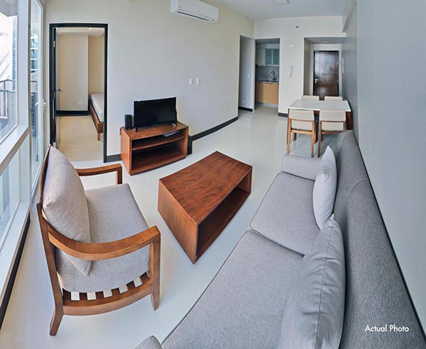 furnished 1 bedroom with balcony in mactan newtown